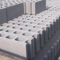 ブロック塀の控え壁